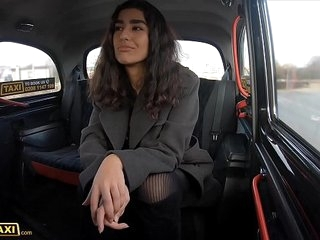 Undertaking Cab Asian pamper gets their way camiknickers ravelled increased hard by pussy fucked hard by Italian cabbie