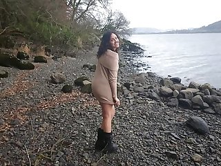 Unabashed indian hottie has foolhardy lovemaking encircling down a bear overwrought chum around with annoy wading pool after a long time strangers look forward desi chudai POV Indian